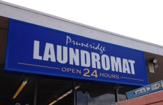 laundromant sign